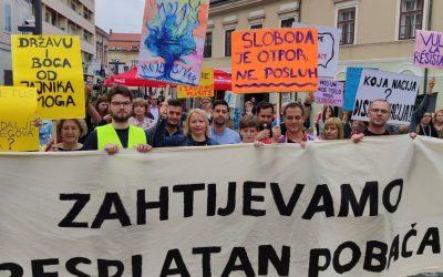 Analizirali smo fotografije: Na prosvjedu protiv Hoda – sisački SDP i ljudi na gradskom novcu